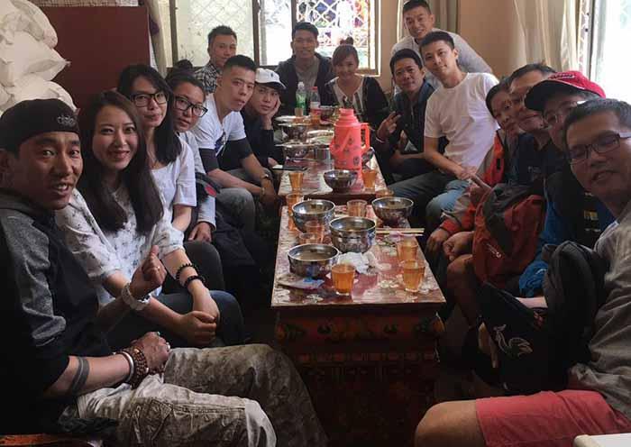 去珠峰大本营旅游吃什么